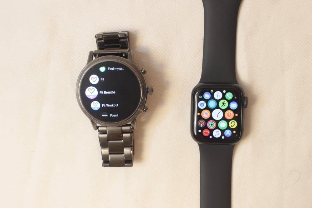 fossil gen 5 carlyle vs apple watch series 5 apps menu