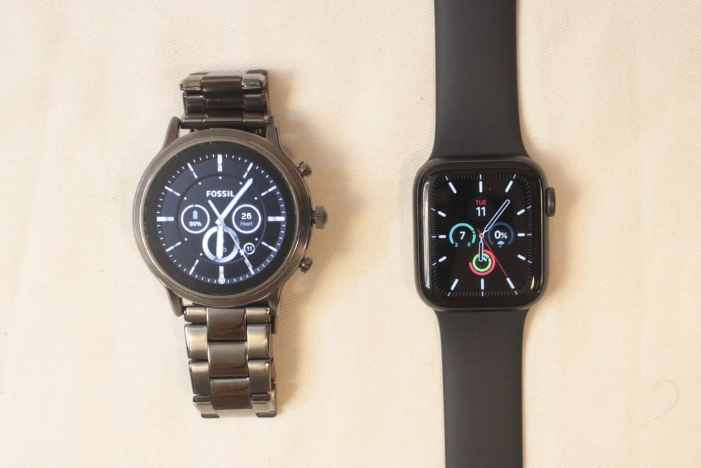 fossil gen 5 carlyle vs apple watch series 5 analog watch face