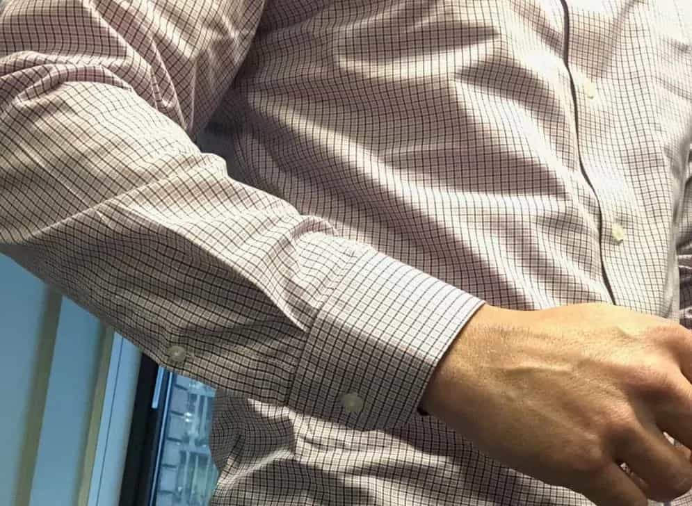 As you can see the arm length is a touch short when I bend my arm. I'm 6′ 3″ so short arms is often a problem with ready made apparel.