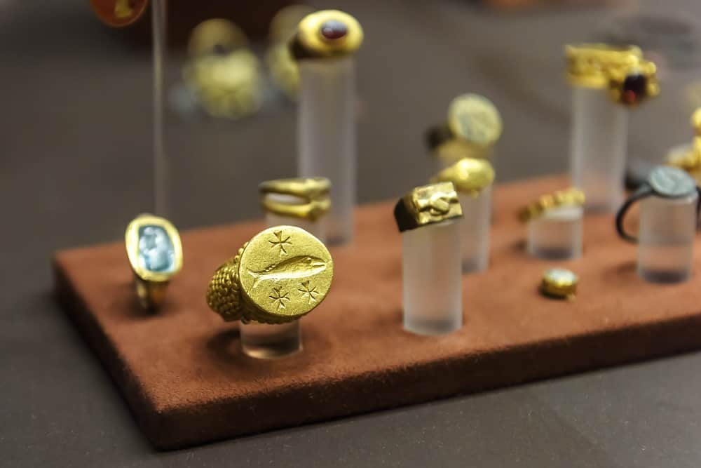 Gold jewelries in National Archaeological Museum of Athens, Greece.