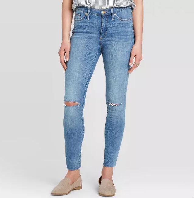 A pair of Ariya blue jeans.