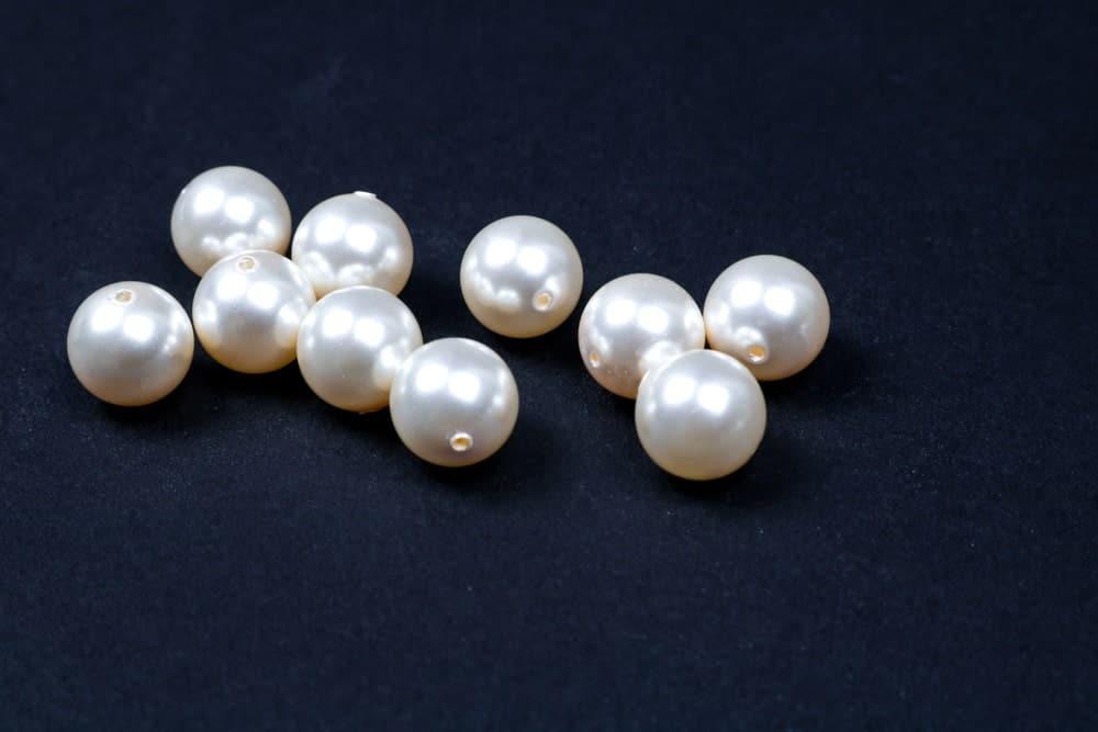 A few Akoya pearls.