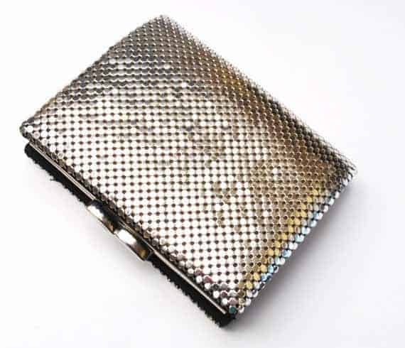 A vintage mesh wallet in silver.