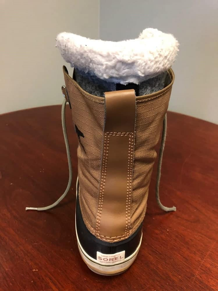 Rear view photo of Sorel snow boots.