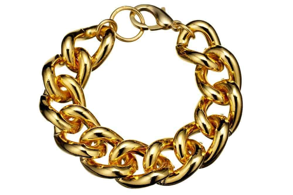 A single golden Link bracelet.