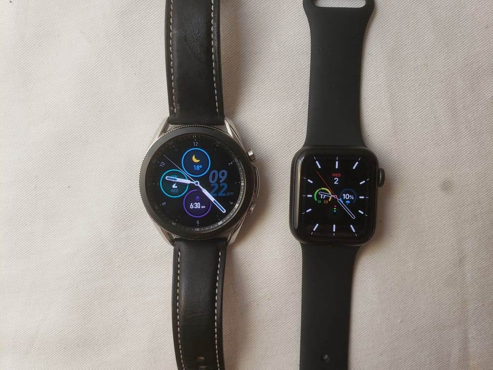 Samsung Galaxy Watch3 vs Apple Watch Series 5 main screen