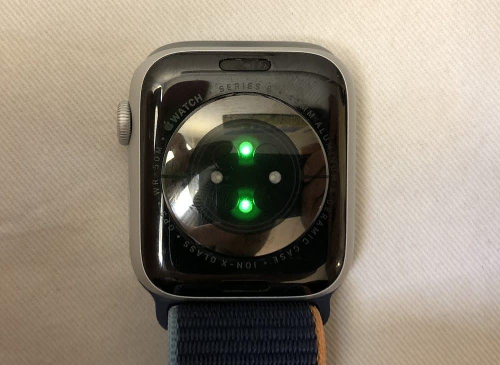 Apple Watch Series 6 heart rate sensor blood oxygen sensor