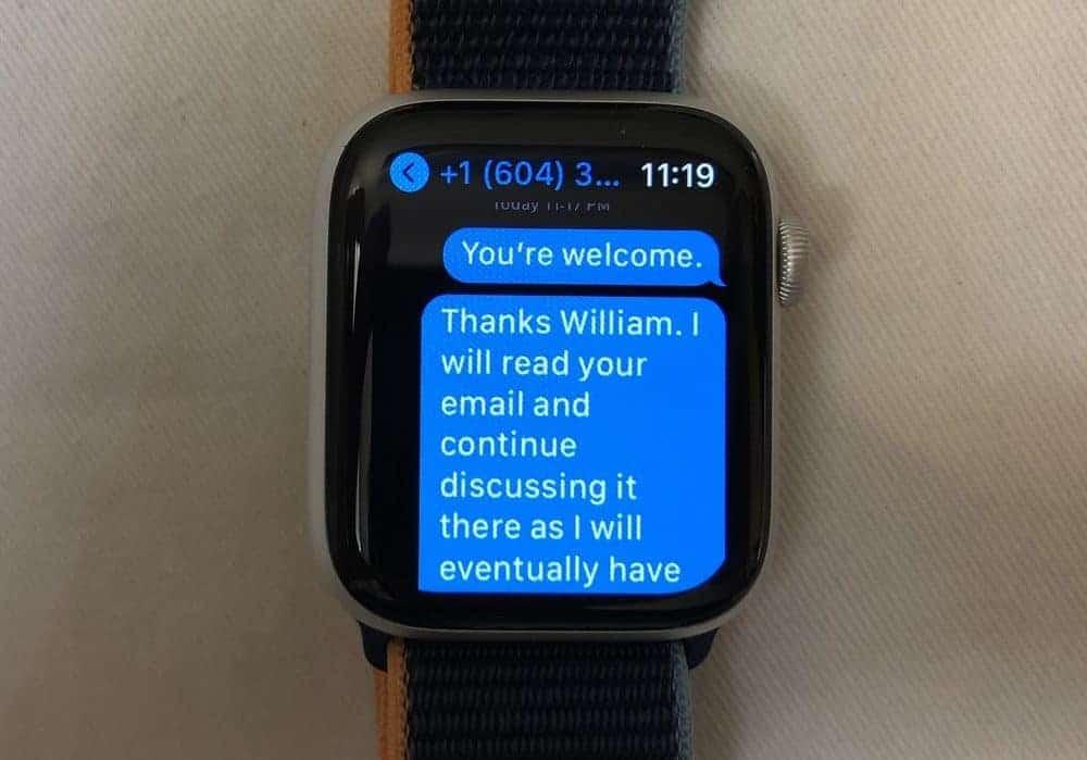 Apple Watch Series 6 texts