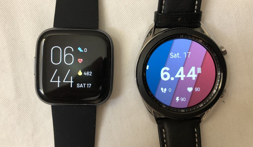 samsung galaxy watch3 vs fitbit versa 2 main screen