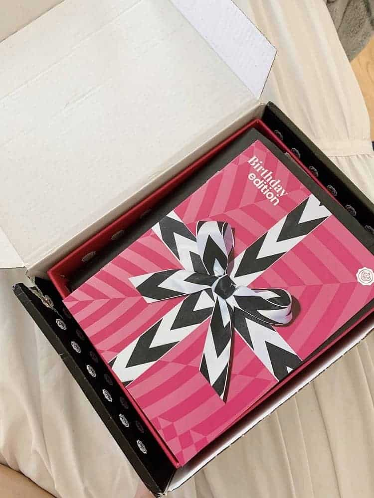Subscription box of the Glossybox.