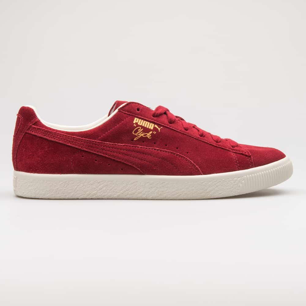 Puma Clyde red sneaker
