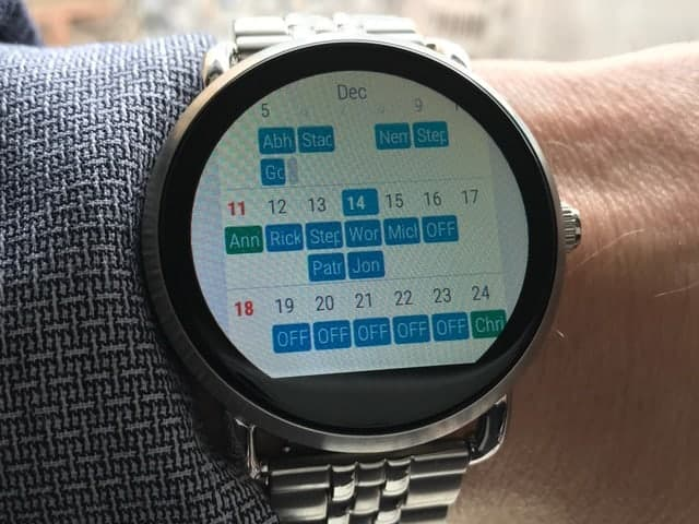 Calendar interface on Fossil Q Wander Smartwatch