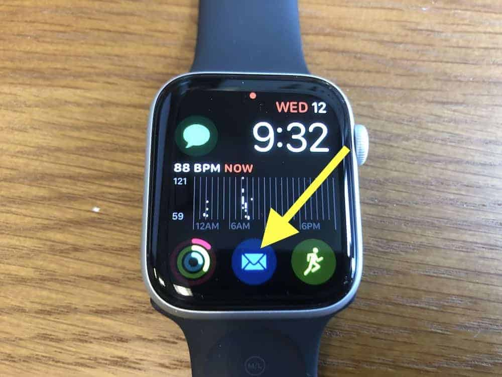 Email icon on home screen of the Apple Watch Series 5