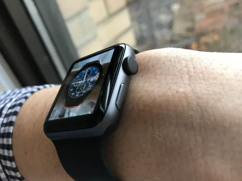 Apple Watch Series 2 buttons