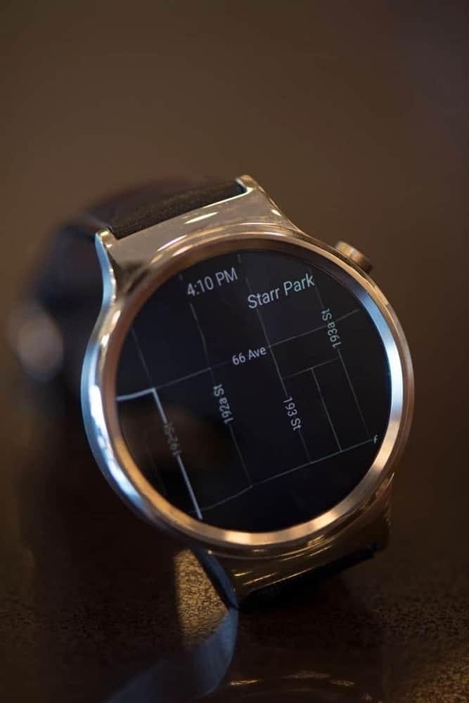Close up photo of Huawei smartwatch screen