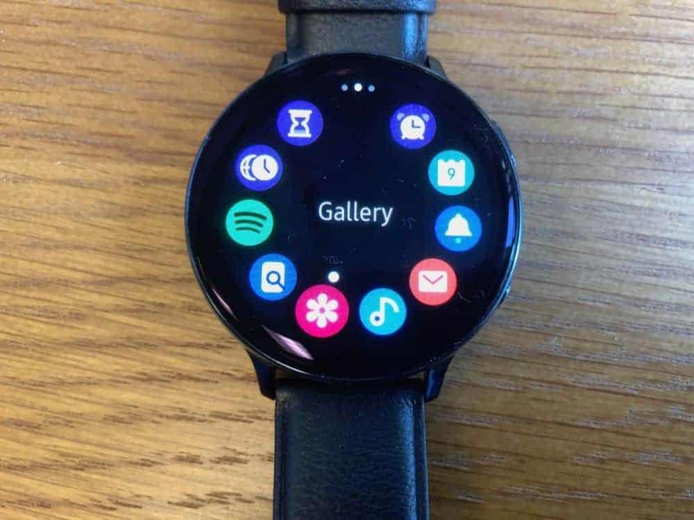 App navigation on the Samsung Galaxy Active2