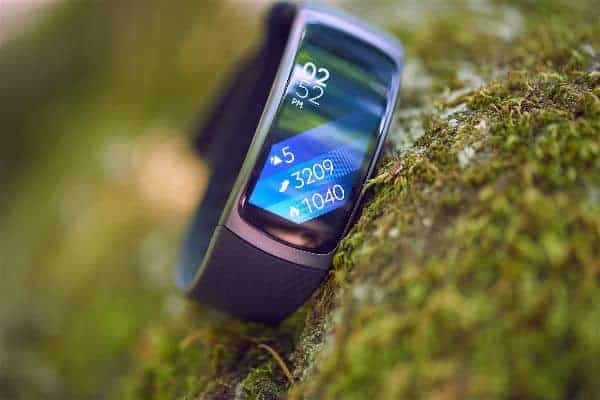 A close look at the Samsung Gear Fit 2 Smartwatch.