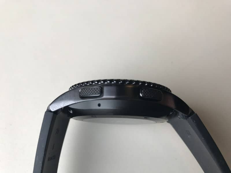 Photo of the buttons on the Samsung Gear S3 Frontier Smartwatch