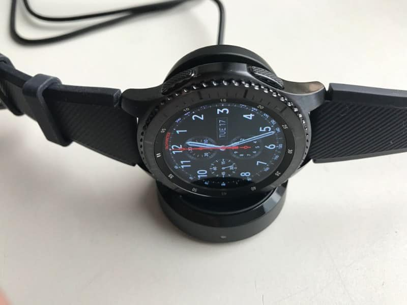 Samsung Gear S3 Frontier Smartwatch kit and accessories