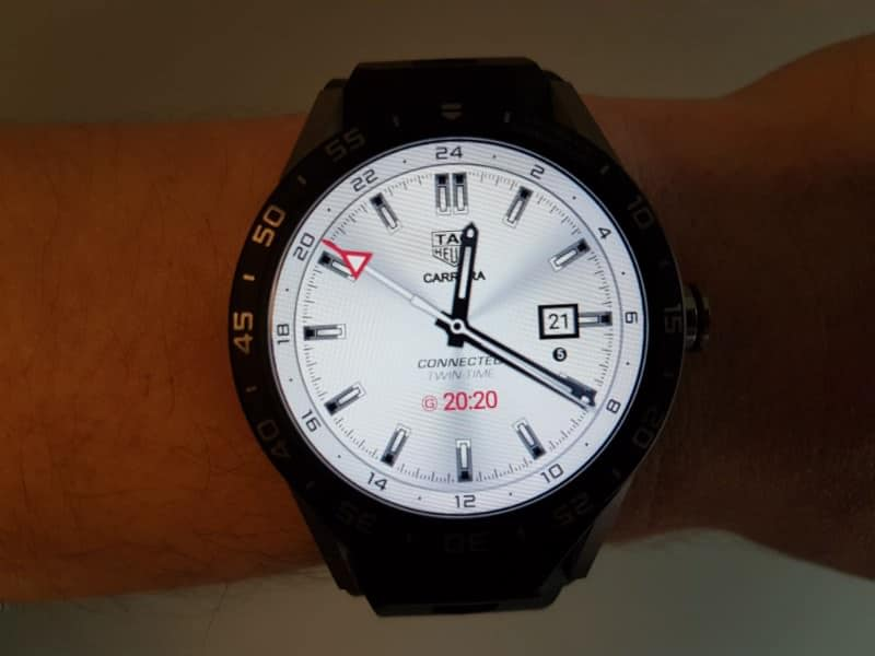 Tag Heuer Connected Smartwatch watch faces in GMT / White.