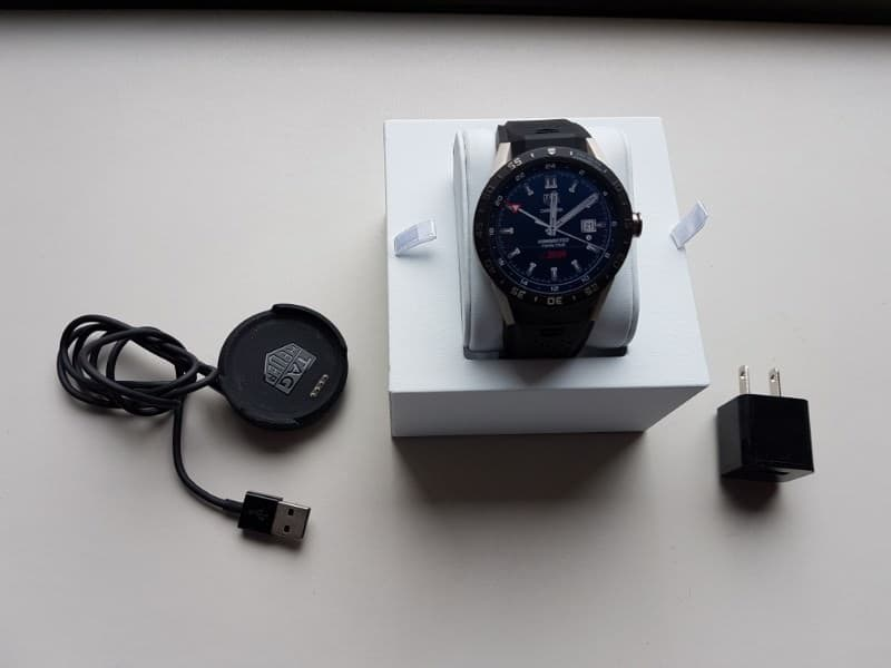 Tag Heuer Connected Smartwatch package