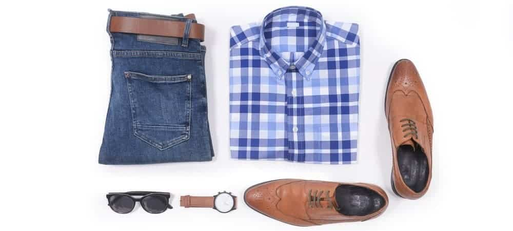 This is a close look at a complete outfit with a casual belt.