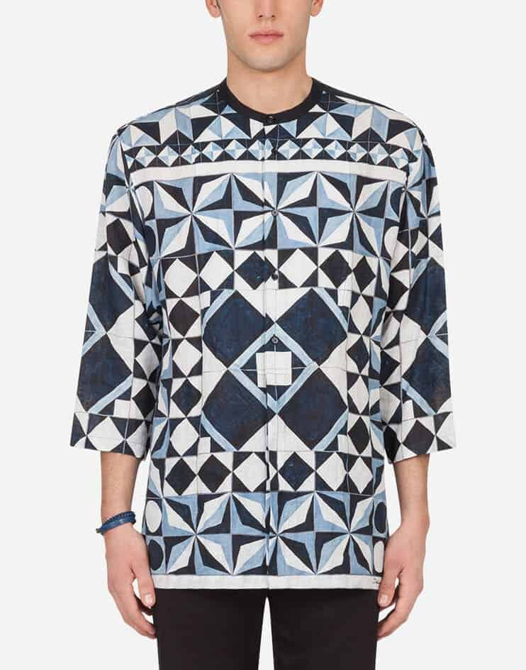 The Linen Majolica-Print Shirt with 3/4 sleeves from Dolce & Gabbana.