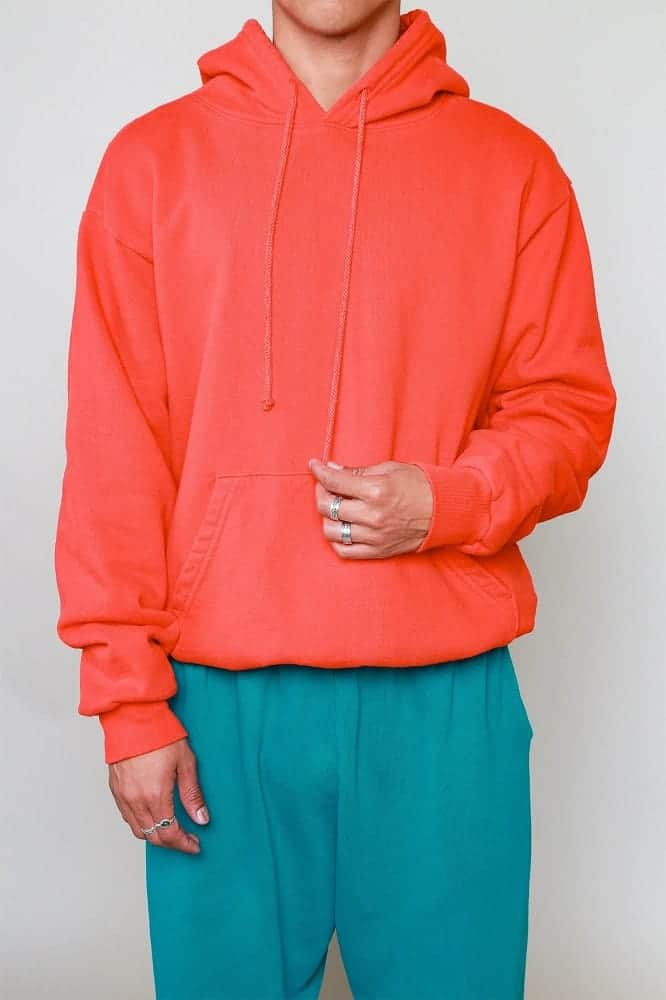 The Everybody.World 100 percent Hoodie in salmon.