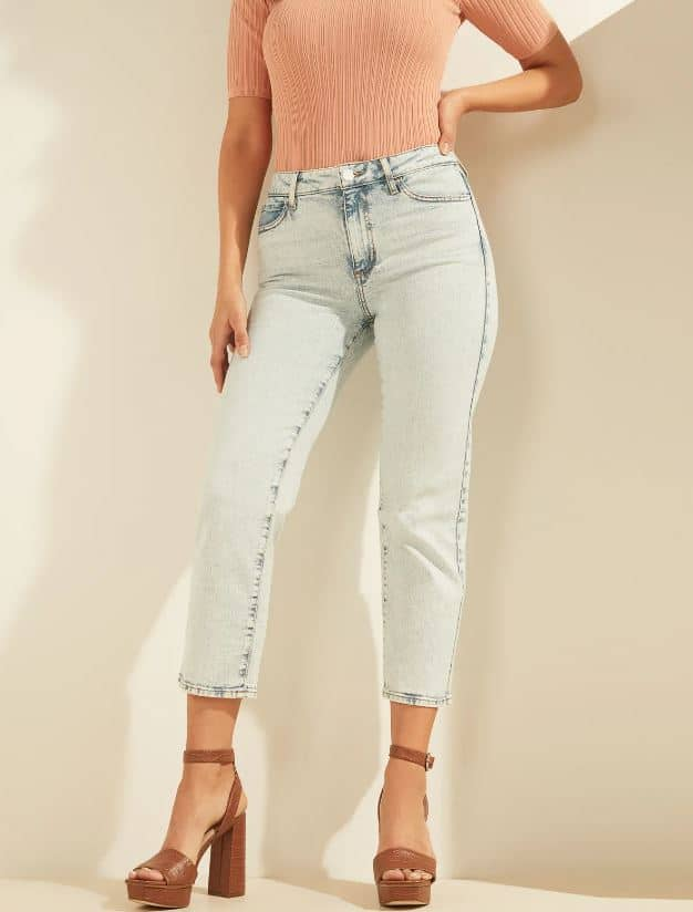 The 1981 Cropped Straight Jeans in blue from Guess.