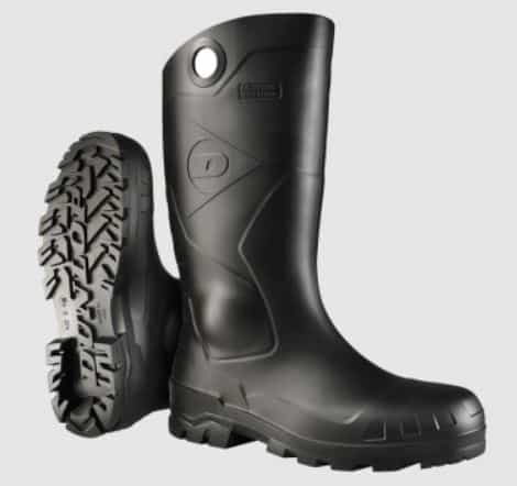 The Chesapeake black rubber boots from Dunlop.