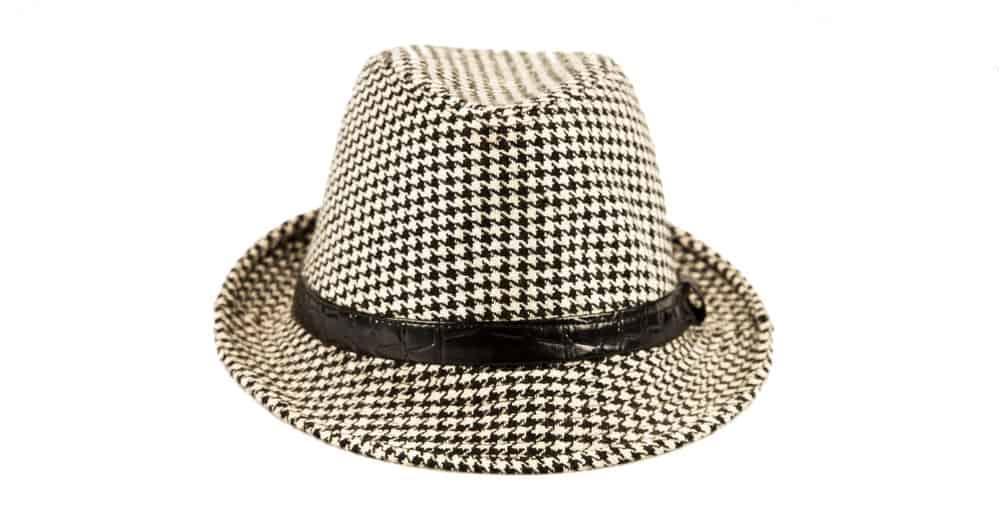 Milan straw hat with plaid pattern.