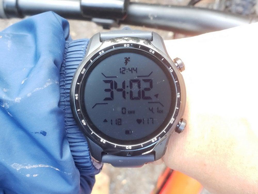 ticwatch pro 3 dual layer screen